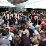 Pic Colin LaneAintree Ladies Day...Crowds arrive